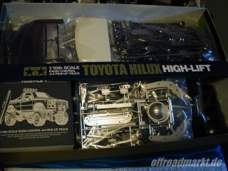 Tamiya TOYOTA HILUX HIGH LIFT (58397) Box